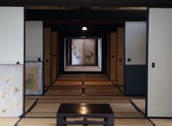 TVドラマ『犬神家の一族』のロケで使われた長~い廊下! ※内部には入れません。