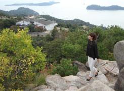 鷲羽山の山頂付近まで、海を見ながらのんびり歩ける遊歩道・自然研究路が続いています。
