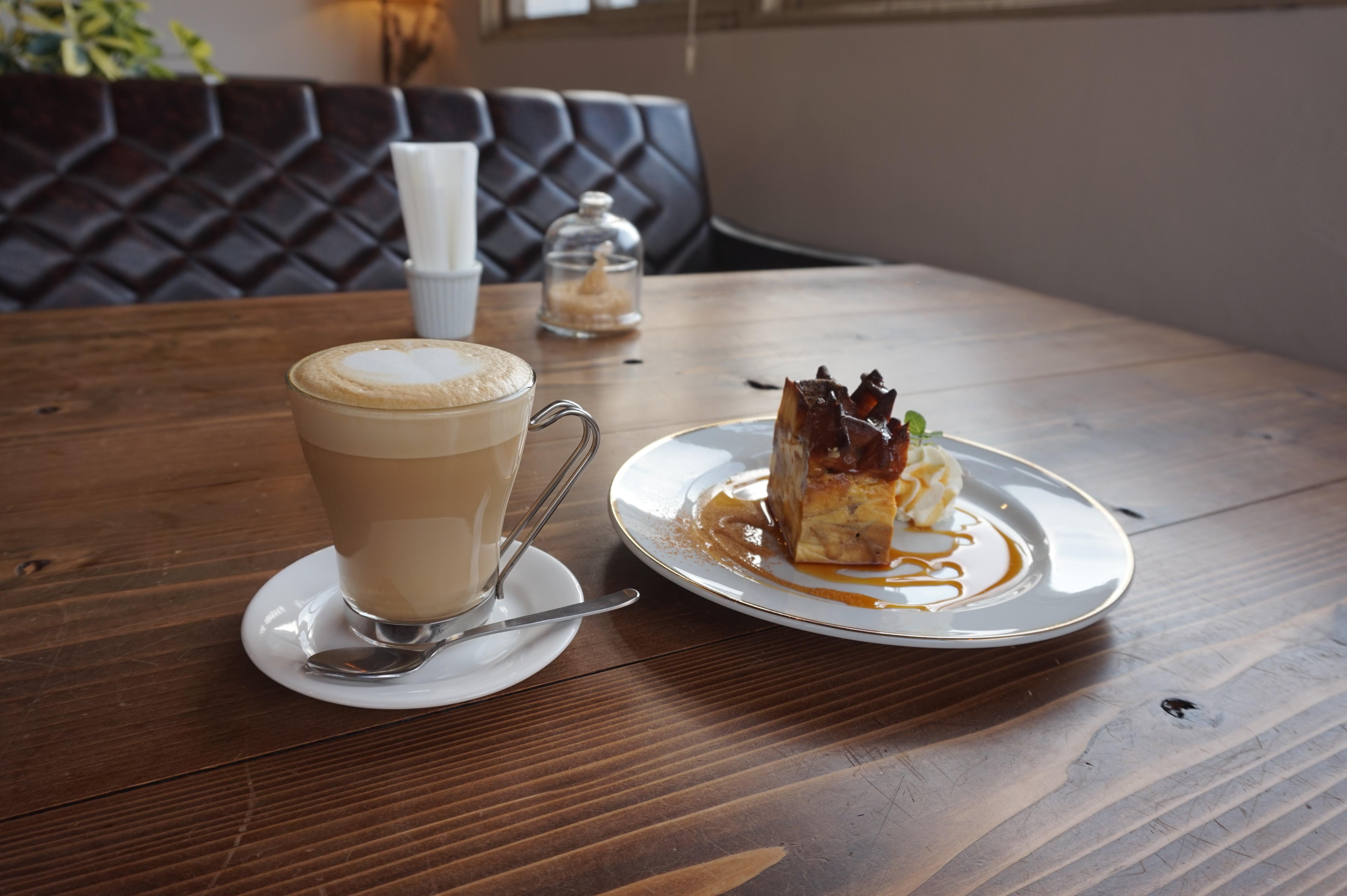 Camel Clutch Café